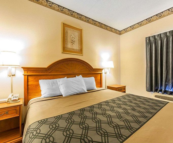 Photo of Econo Lodge Lookout Mountain - Chattanooga TN Room