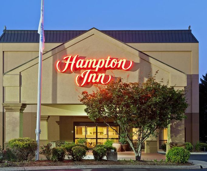 Exterior of Hampton Inn ChattanoogaHixson