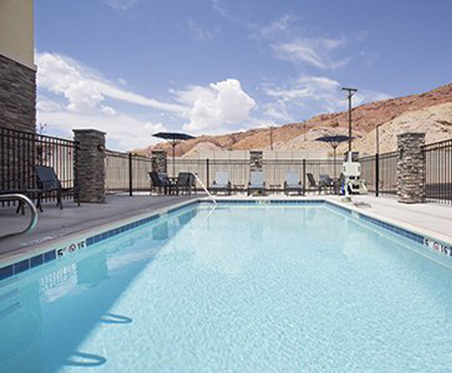 Outdoor Pool at Comfort Suites Moab