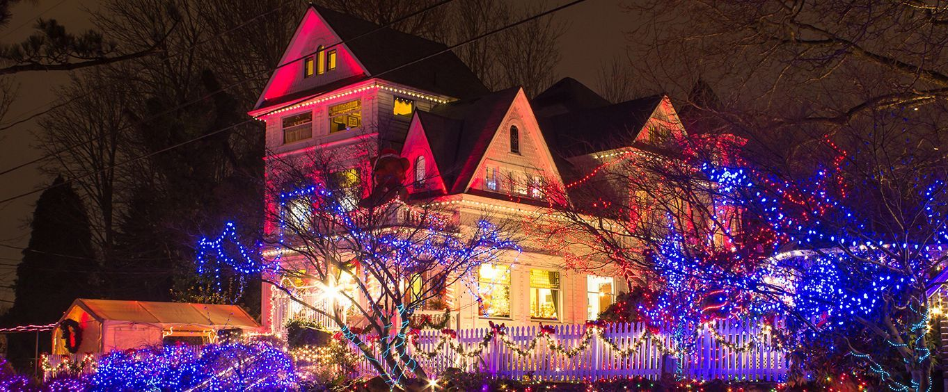 learn how portland oregon celebrates christmas on a holiday tour of the city