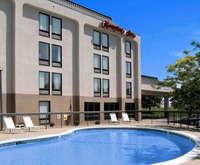Outdoor Pool Hampton Inn Kansas City Airport