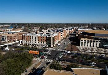 Exterior View of SpringHill Suites Marriott Norfolk Old Dominion University