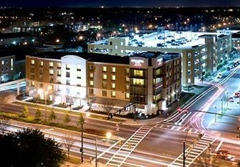 Exterior of SpringHill Suites Marriott Norfolk Old Dominion University