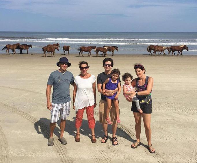 Group on the Outer Banks Wild Horse Truck Tour