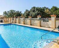 Outdoor Swimming Pool of Quality Inn & Suites Bandera Pointe San Antonio TX