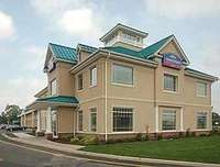 Exterior of Howard Johnson Hotel Toms River
