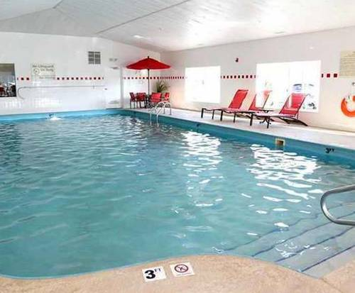 Hampton Inn Sandusky-Central OH Indoor Swimming Pool