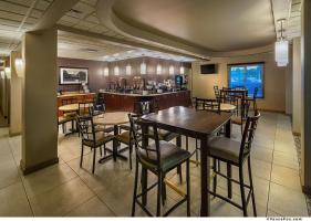 Best Western Plus Chena River Lodge Bar / Lounge