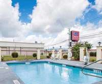 Outdoor Pool at Comfort Suites Montgomery AL