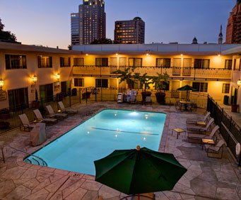 Outdoor Swimming Pool of Best Western Sutter House