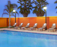 Outdoor Swimming Pool of Four Points by Sheraton Sacramento International Airport