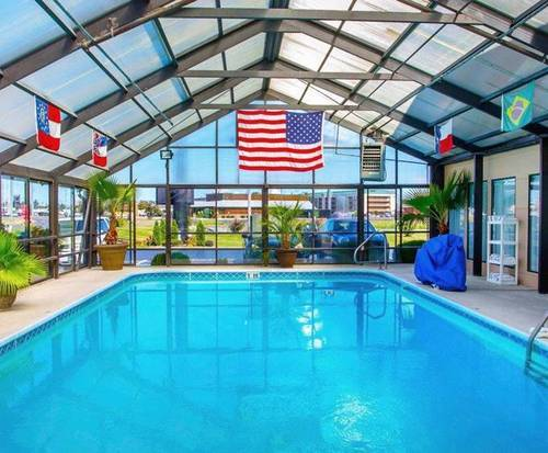 Quality Suites Paducah KY Indoor Pool