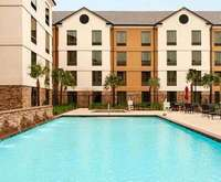 Outdoor Swimming Pool of Hilton Garden Inn Shreveport Bossier City LA