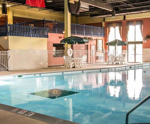 Quality Inn University Lansing MI Indoor Swimming Pool
