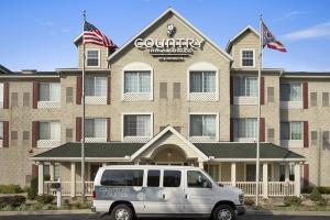 Exterior of Country Inn & Suites by Carlson Columbus Airport
