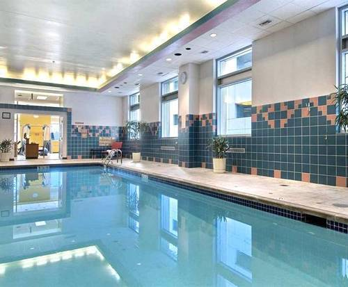 Hilton Harrisburg Indoor Swimming Pool
