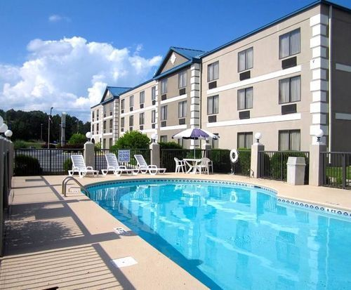 Outdoor Pool at Best Western Executive Inn & Suites