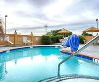 Outdoor Swimming Pool of BEST WESTERN PLUS Columbia North East