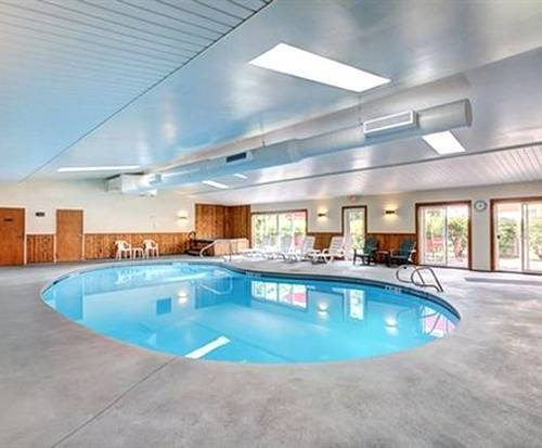Quality Inn Barre Indoor Swimming Pool