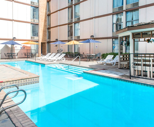 Outdoor Swimming Pool of Rodeway Inn & Suites Boulder Broker