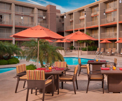 Outdoor Swimming Pool of Sheraton Phoenix Airport Hotel Tempe