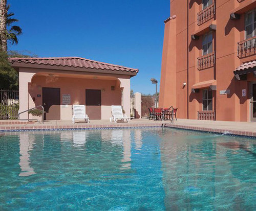 Outdoor Pool at Country Inn & Suites By Carlson Phoenix Airport at Tempe