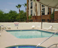 Outdoor Swimming Pool of SpringHill Suites Phoenix Airport/Tempe