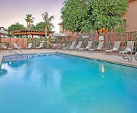 Outdoor Swimming Pool of TownePlace Suites Tempe at Arizona Mills Mall