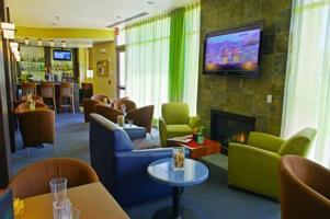 Holiday Inn & Suites Phoenix Airport Bar / Lounge