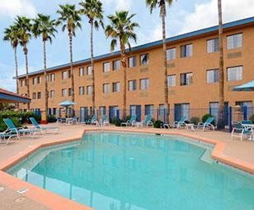 Room Photo for Days Hotel Mesa Country Club