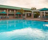 Outdoor Swimming Pool of Best Western Plus Hilltop Inn