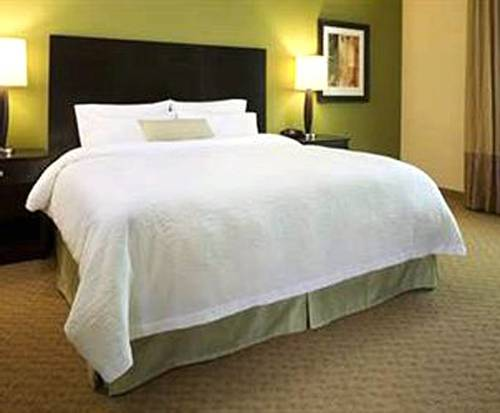 Photo of Hampton Inn Broussard-Lafayette Area Room