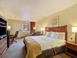 Photo of Days Inn Natchitoches Room