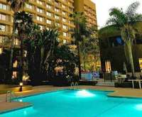 DoubleTree by Hilton Hotel Los...