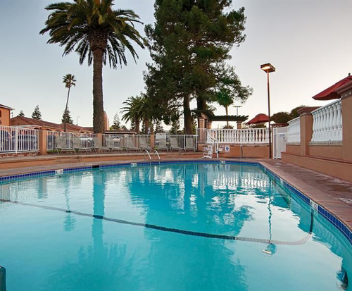 Outdoor Swimming Pool of BEST WESTERN PLUS El Rancho Inn & Suites