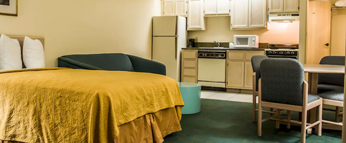 Quality Inn & Suites Golf Resort Room Photos