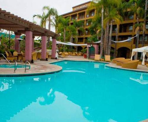 Outdoor Swimming Pool of Hotel Menage Anaheim Boutique Hotel