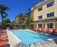 Outdoor Swimming Pool of Anaheim Portofino Inn and Suites