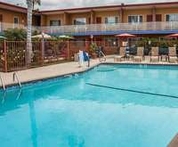 Outdoor Swimming Pool of Quality Inn & Suites Anaheim at the Park