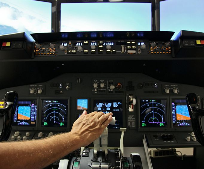 Hand on the Throttle on the Boeing 737 Flight Simulator Experience