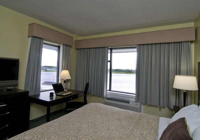 Photo of BEST WESTERN PLUS Coastline Inn Room