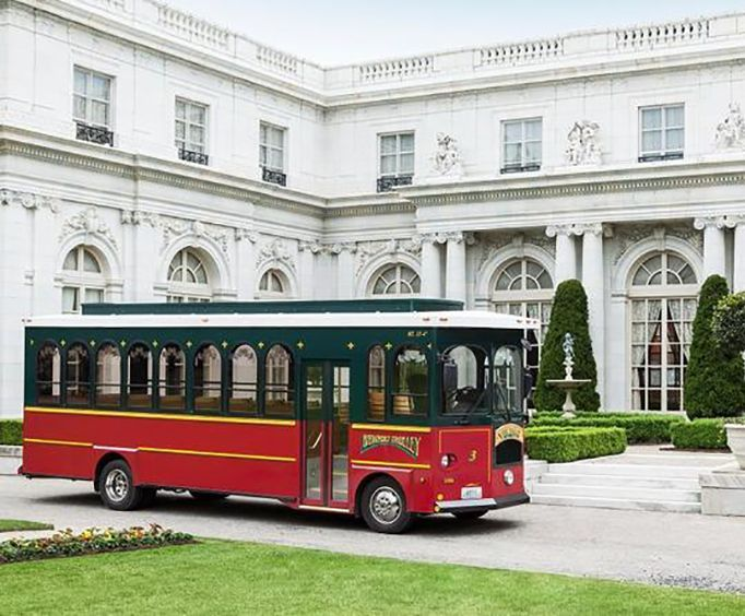 Amazing Mansions on the Grand Mansion of Newport Viking Trolley Tour