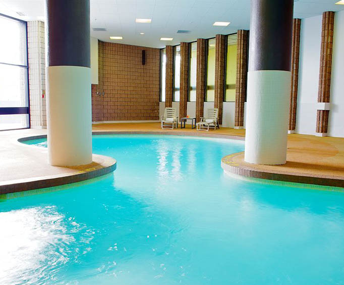 Radisson Toronto East Indoor Swimming Pool