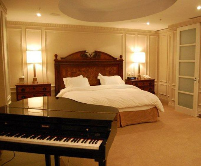Hotels with Two Bedroom Suite