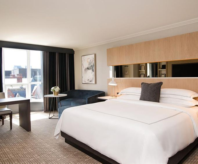 InterContinental Toronto Yorkville Room Photos