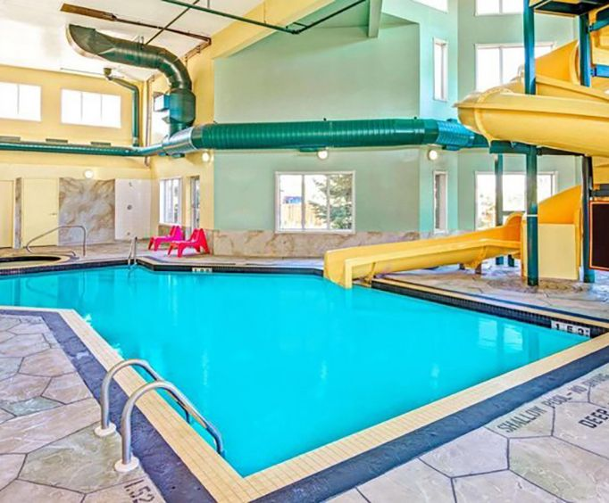 Super 8 Toronto North On Indoor Pool