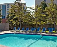 Toronto On Hotels With An Outdoor Pool