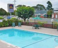 Outdoor Swimming Pool of Best Western Lakewood Motor Inn
