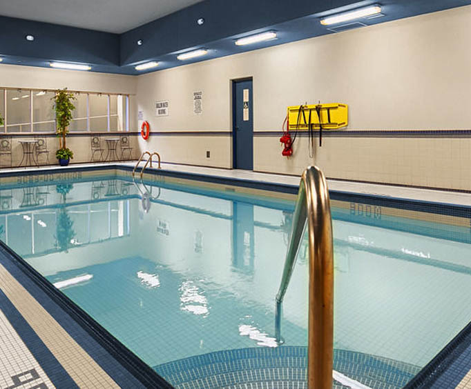 Best Western Fallsview Indoor Swimming Pool