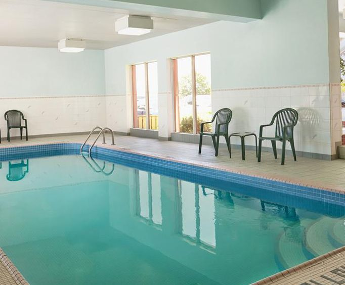 Travelodge By the Falls Indoor Pool
